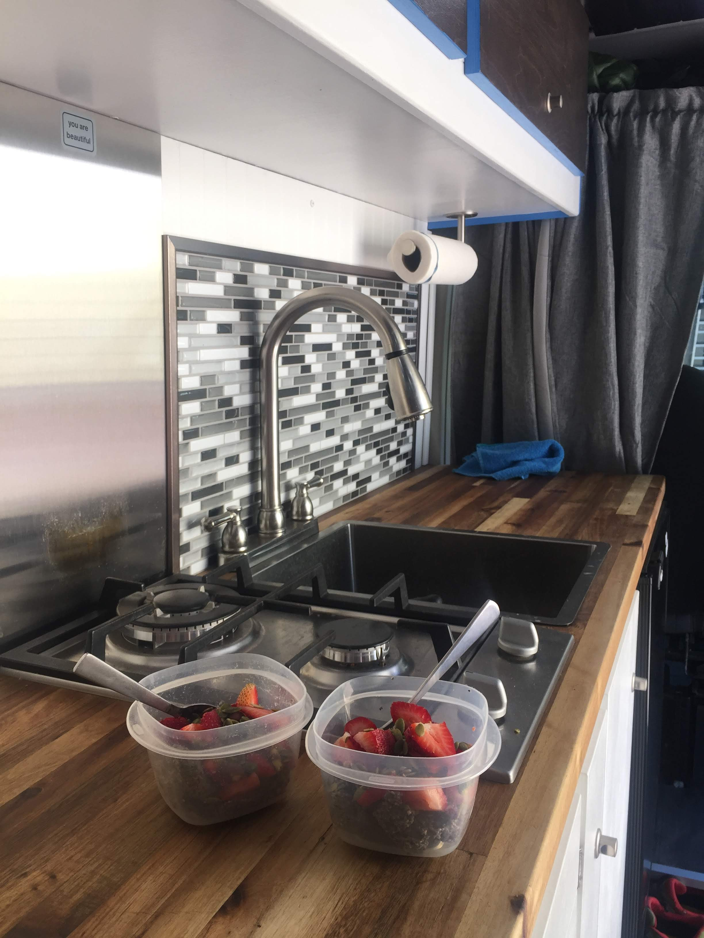 van life food cook